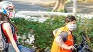 Viral Cara Unik Social Distancing di Thailand: Boncengan Motor Juga Jaga Jarak