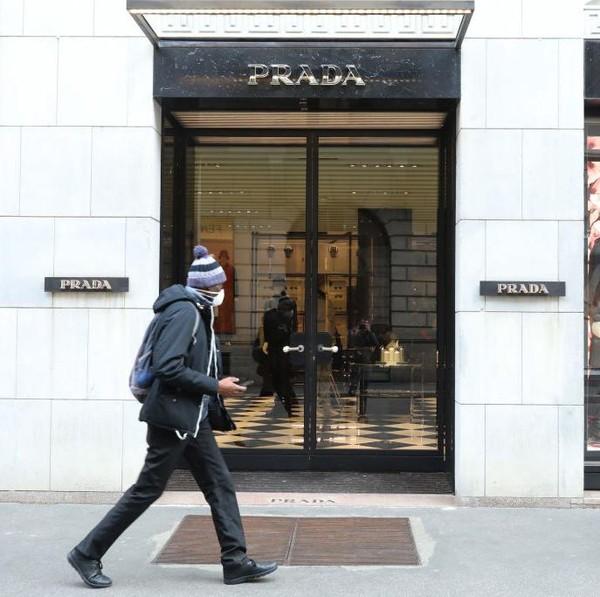 Potret Sendu Tutupnya Toko-toko Brand Fashion karena Virus Corona