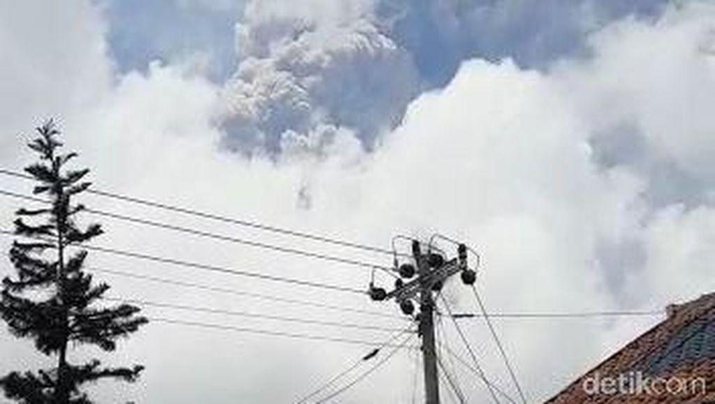 Gunung Merapi Erupsi, Warga di Lereng Boyolali Dengar Suara Gemuruh