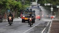 Jalan WR Supratman di Bali Disemprot Disinfektan Pakai Water Cannon