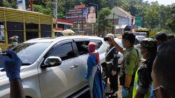 Mau Kondangan ke Blitar, Mobil Asal Malang Terpaksa Balik Kanan
