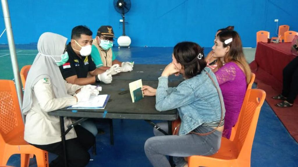 Masuk Ilegal dari Malaysia Saat Pandemi Corona, 3 Waria Diamankan di Sumut