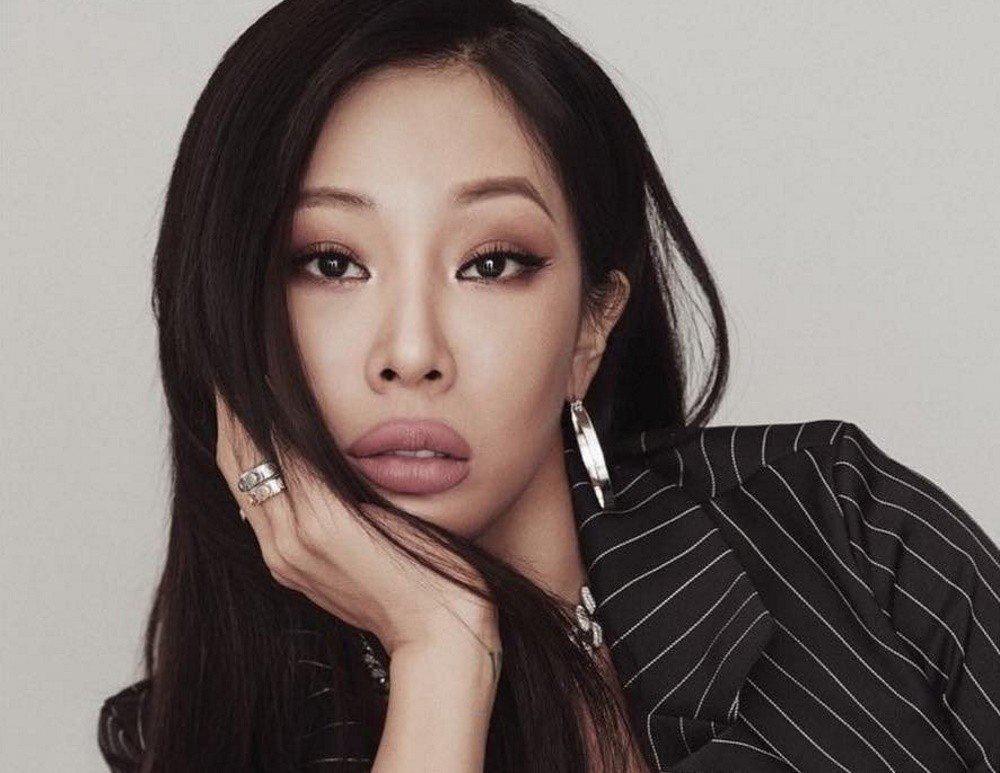 7 Artis K-pop Blak-blakan Pernah Oplas Kelopak Mata dan Hidung