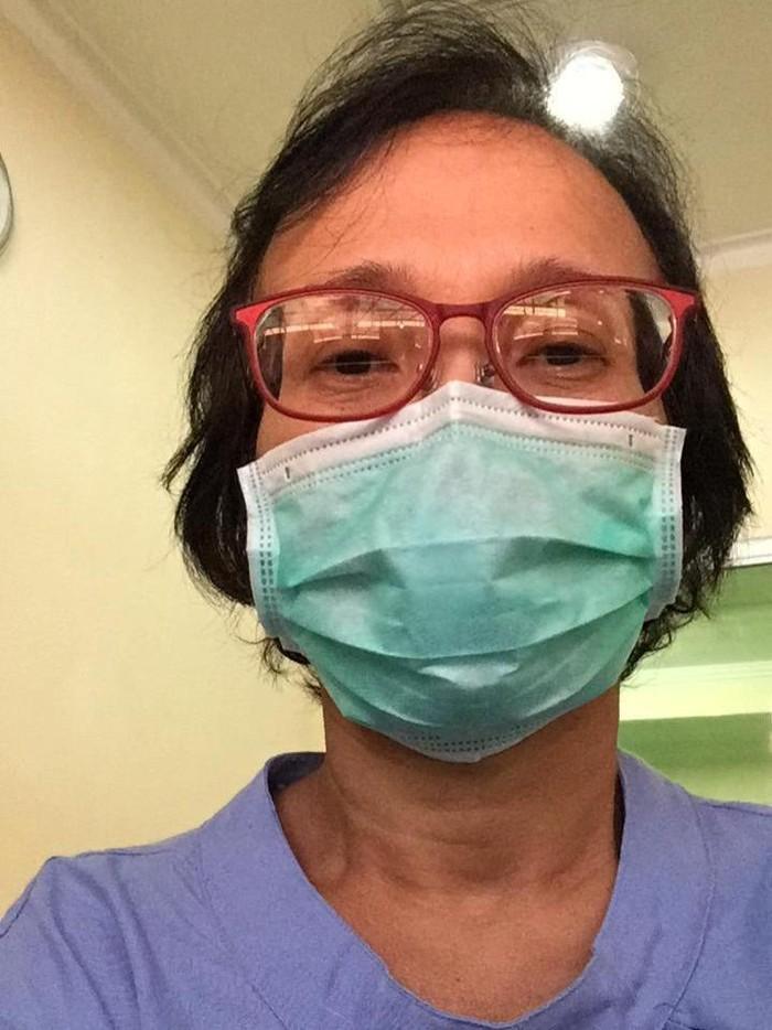 Warga Surabaya, Cristina sempat divonis positif virus corona dan telah dinyatakan sembuh. Kini ia menceritakan pengalamannya selama diisolasi.