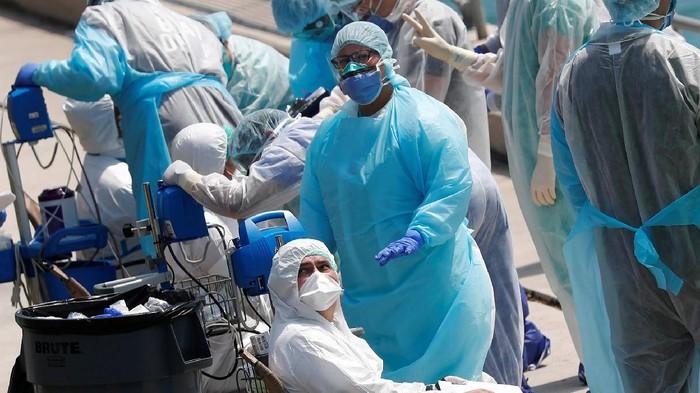 Virus corona: Amerika Serikat melampaui China dengan kasus terbesar di dunia