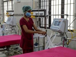 Kisah Haru Pasangan Lansia Korban Virus Corona, Meninggal Gandengan Tangan