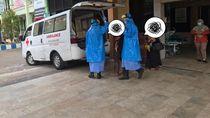 Evakuasi Anak di Kota Pasuruan Oleh Petugas Ber-APD Corona Bikin Heboh