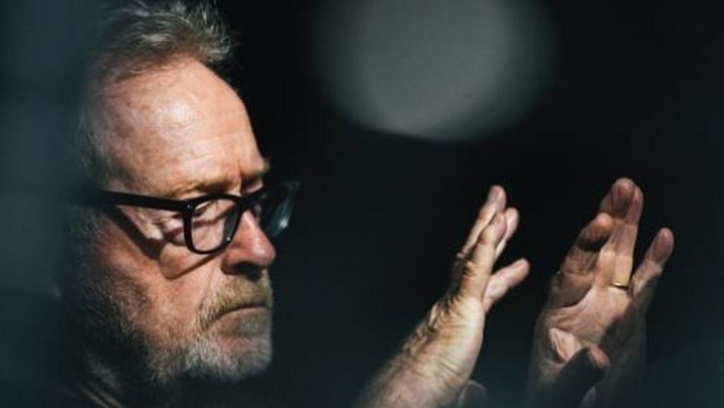 Sutradara Blade Runner Kecam Trump dan PM Inggris Terkait Penanganan Corona