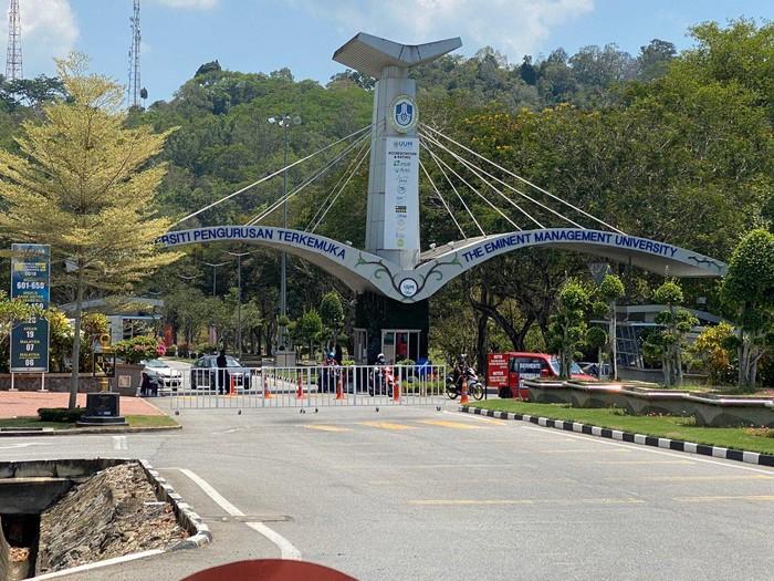 Sejumlah mahasiswa yang menempuh pendidikan di Malaysia turut alami lockdown guna mencegah Corona. Seperti apa kehidupan para mahasiswa selama jalani lockdown?