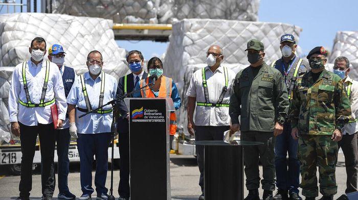 China mengirimkan bantuan berupa alat  medis ke Venezuela. Bantuan alat medis itu dilakukan sebagai bentuk dukungan untuk berperangan melawan penyebaran Corona.