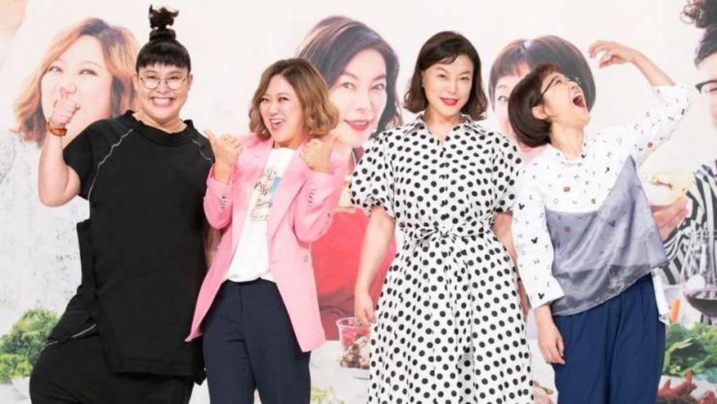 Sutradara Variety Show Korea Positif Corona, Gedung Kantor Ditutup Total