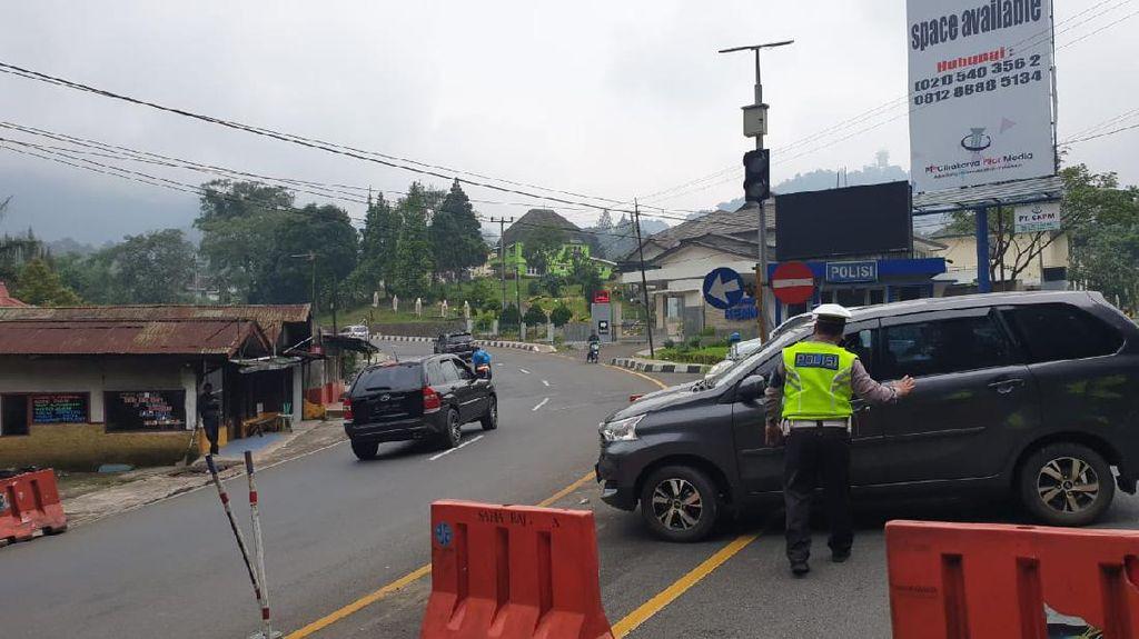 Corona Pandemi, Polisi Cianjur Sekat-Pulangkan Mobil dari Luar Daerah