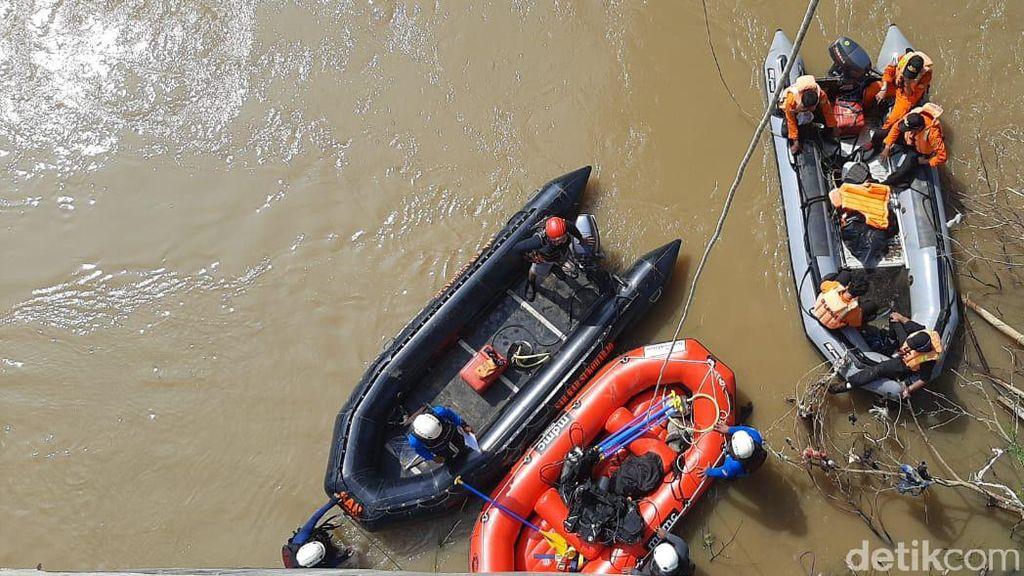Pencarian Seorang Remaja yang Hilang di Bengawan Solo Masih Nihil