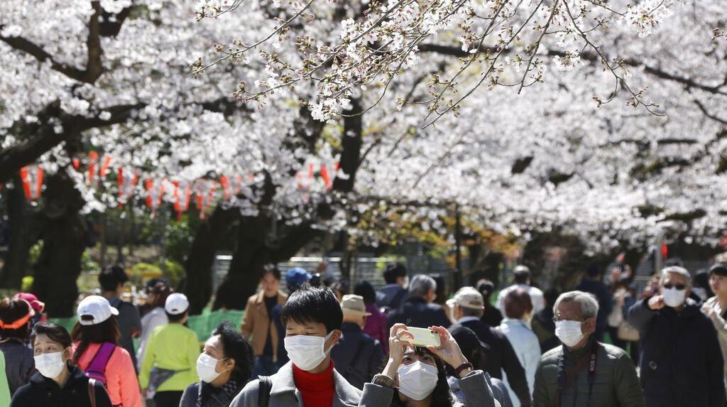 Jepang Guyur Rp 16.000 T untuk Warga yang Terdampak Corona