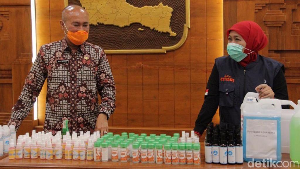 Pemprov Jatim Kerahkan SMA dan SMK Produksi Hand Sanitizer Massal