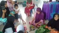 Tangkal Corona, Warga Malalin Enrekang Dilatih Bikin Jamu dan Antiseptik