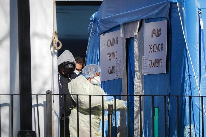 Total jumlah kematian terkait virus corona di Amerika Serikat mencapai 2.409 orang.  Data tersebut dirilis Johns Hopkins University pada Minggu (29/3) waktu setempat.