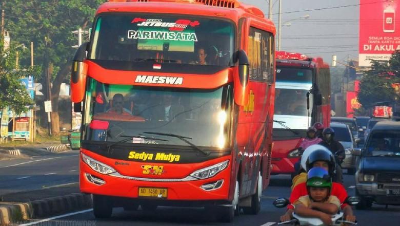 Bus Wonogiri.