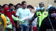 Penjemputan PMI Deportan di Parepare Abaikan Protokol Kesehatan