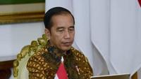 Jokowi: Saya Minta Apotek-Toko Bahan Pokok Tetap Buka