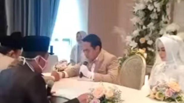 4 Tahun Cerai, Eddies Adelia CLBK dan Nikah dengan Ferry Setiawan