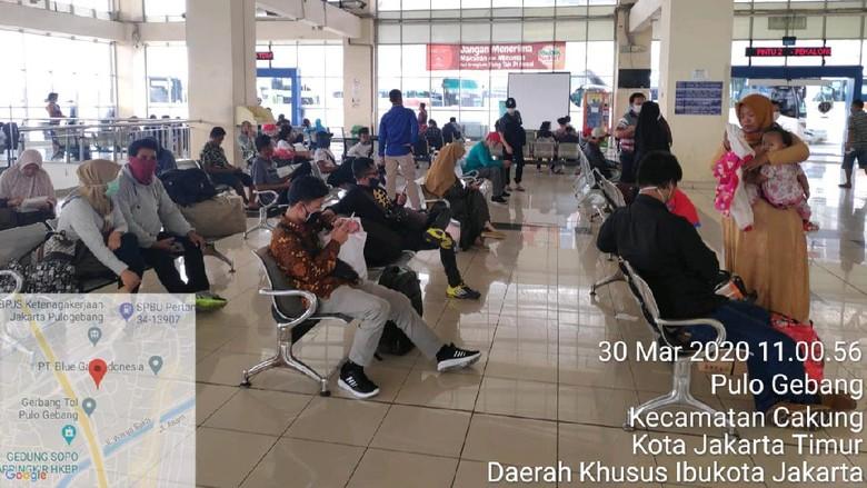 Kondisi Terminal Pulo Gebang, Senin (30/3)