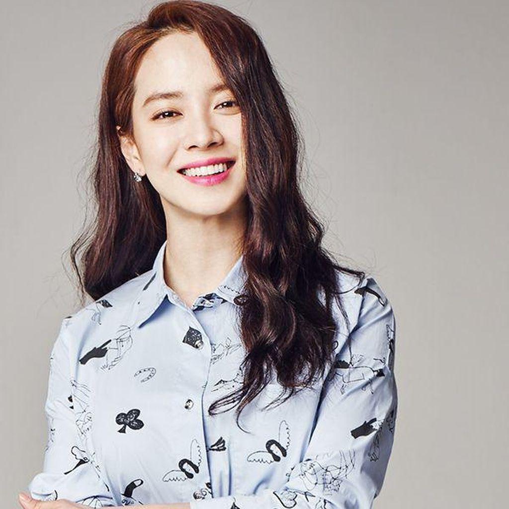 Song Ji Hyo Jadi Rebutan 4 Cowok di Did We Love?