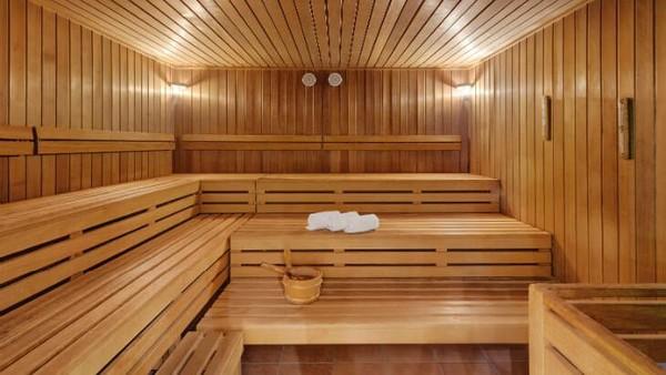 Ruang sauna yang tentunya sangat nyaman dinikmati di musim dingin. Ini dia fasilitas berkelas ala resort ski di Pegunungan Alpen(Leuchtende Hotelfotografie/Grand Hotel Sonnenbichl)