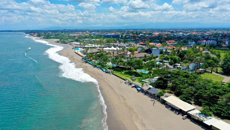 Pantai di Kuta Bali