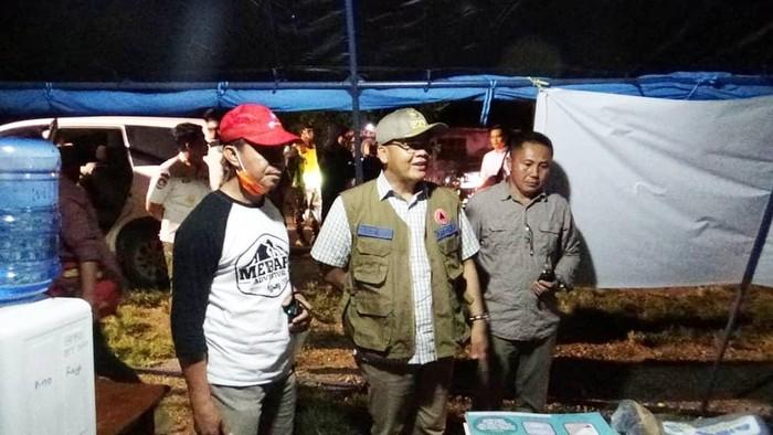 Gubernur Bengkulu, Rohidin Mersyah saat memantau posko terpadu area selatan bersama FKPD.