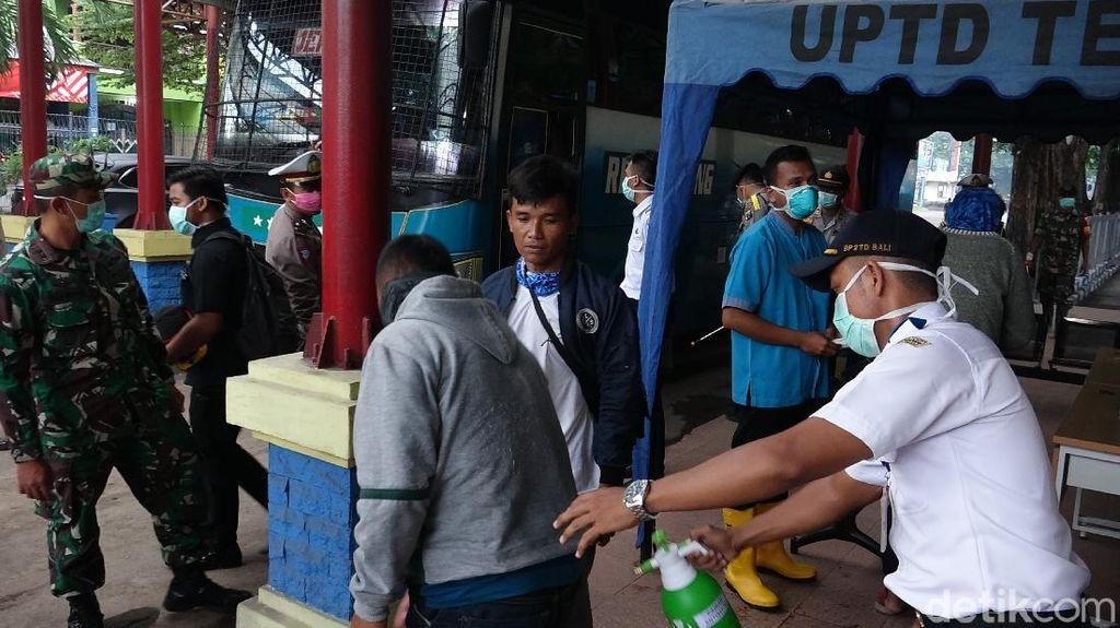 Forkopimda Kota Probolinggo Pantau Penumpang Bus dari Zona Merah Corona