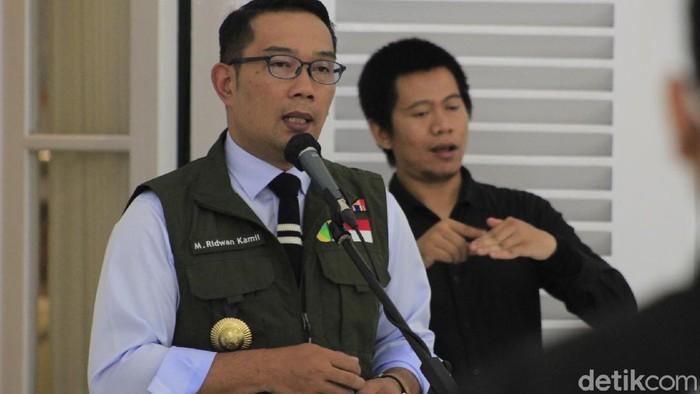 Ridwan Kamil sebut 300 warga Jabar terindikasi positif Corona hasil rapid test