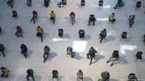 Ribuan Pekerja Tinggalkan Bangkok karena Kehilangan Pekerjaan