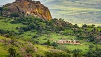 Sebelumnya dikenal sebagai Swaziland, negara yang tak punya batas laut ini punya lanskap yang sangat bervariasi. Bertengger di Bukit Dlangeni, Mbabane adalah ibu kota administratif negara ini (Foto: CNN)