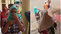 Minta Bank Emok Disetop, Emak-emak di Sukabumi Geruduk Kantor Desa