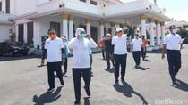 Khofifah Ajak Warga Jawa Timur Berjemur Cegah Corona