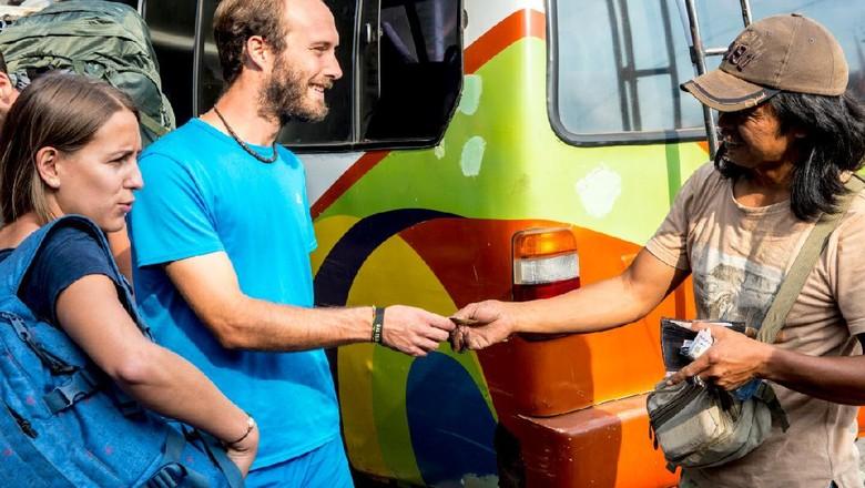 Kemenparekraf Bersama CAKAP Latih Bahasa Inggris Pelaku Pariwisata Lewat Daring