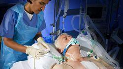 AS dan China Kembangkan Alat Prediksi Infeksi Akut Virus Corona