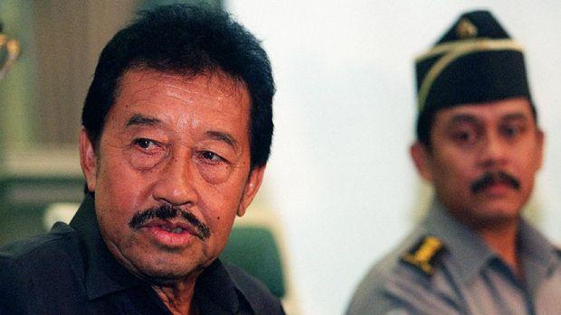 Bob Hasan, konglomerat yang berdedikasi mengampu atletik Indonesia seumur hidup. (