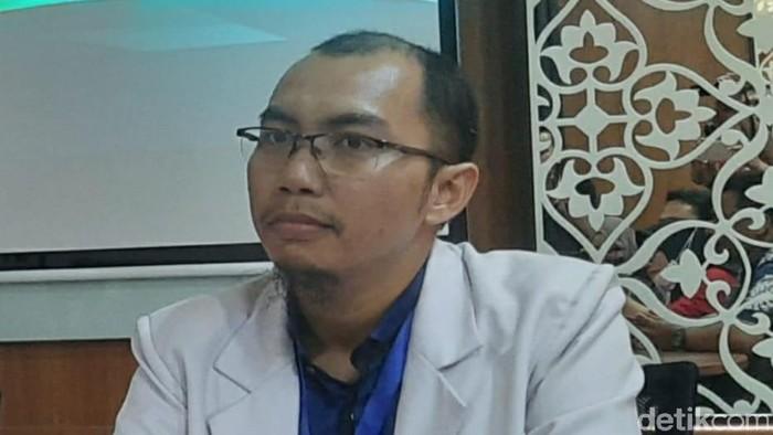Jubir Satgas Corona RS Unair dr Alfian Nur Rasyid SpP