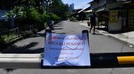Lelah Menunggu Pemerintah, Jalan Kampung Ini di Lockdown Warga