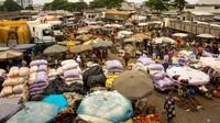 Kota pelabuhan, Cotonou akan menyambut para traveler yang datang ke Benin. Begitu ramai, kota terbesar di negara itu juga merupakan pusat pemerintahan (Foto: CNN)