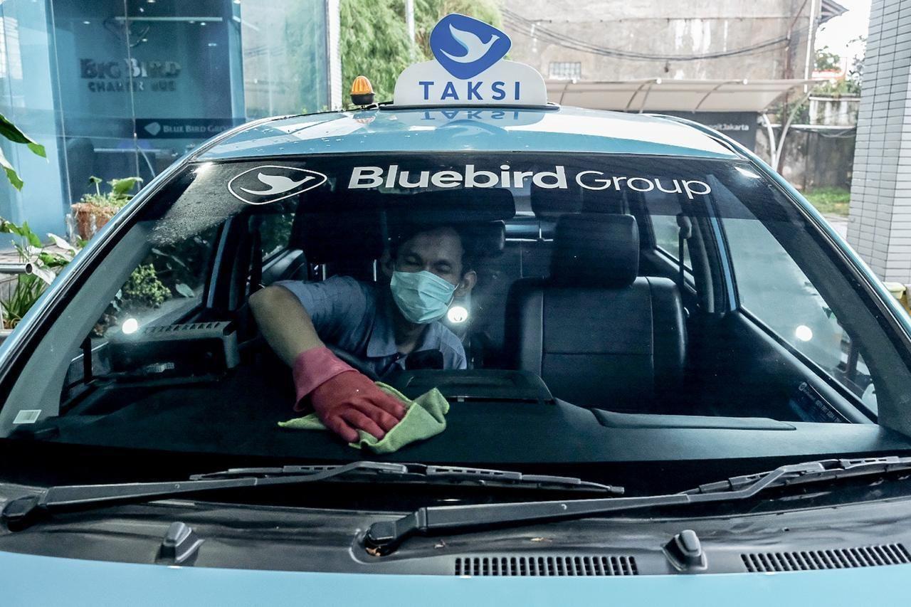 Menparekraf Gandeng Blue Bird untuk Fasilitasi Transportasi Tenaga Medis