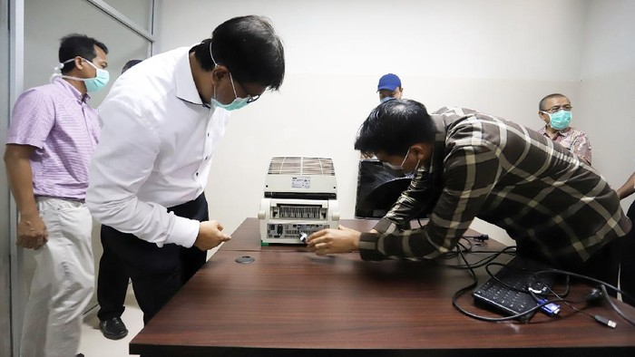Universitas Syiah Kuala (Unsyiah) Aceh punya satu unit Polymerase Chain Reaction (PCR) atau alat tes virus Corona berstandar WHO.