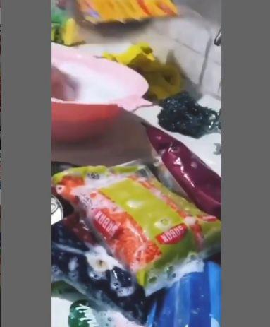 Takut Virus Corona, Ibu Ini Rendam Bahan Makanan pakai Air Sabun di Bak Mandi