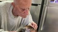 Viral, Aksi Romantis Kakek Cat Rambut Istri saat Karantina di Rumah