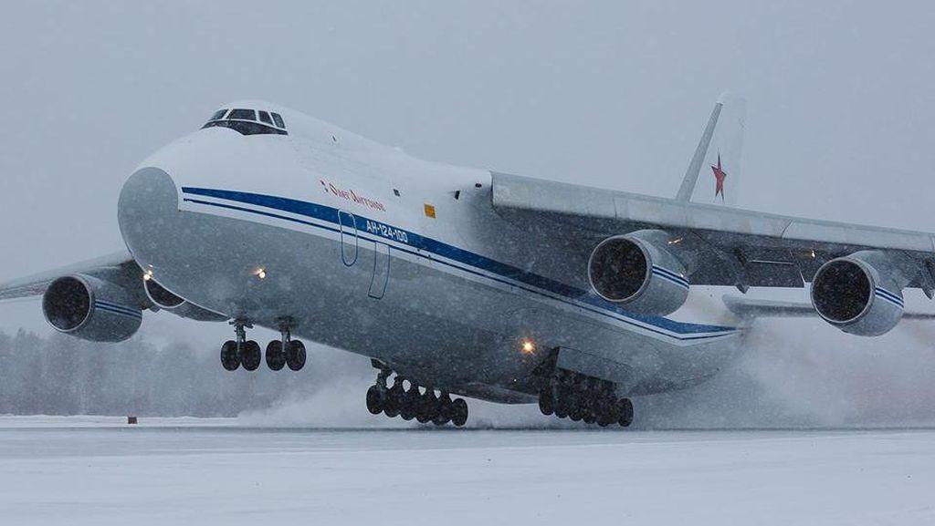Rusia Kirim Pesawat Bawa Bantuan Medis untuk AS Hadapi Virus Corona
