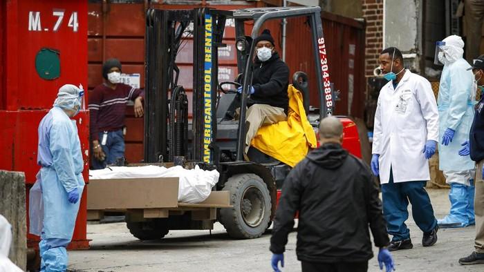 Amerika Serikat (AS) melaporkan lebih dari 800 kematian dalam sehari akibat covid-19. New York jadi kota dengan jumlah penderita corona paling banyak.