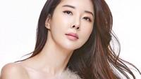 Wanita Ini Pensiun Jadi Aktris Setelah Kritik Kebijakan Presiden Korea