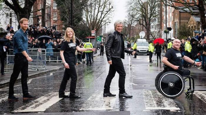Pangeran Harry dan Jon Bon Jovi